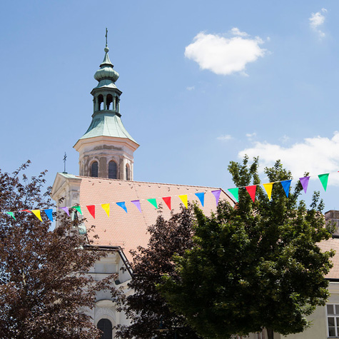 Pöll - Dachsanierung Kirche Zistersdorf