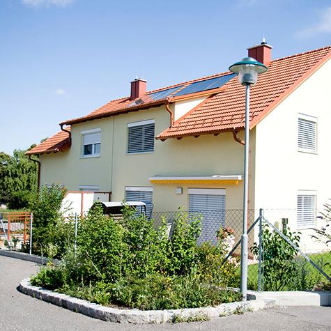 Pöll - Mehrparteienhaus